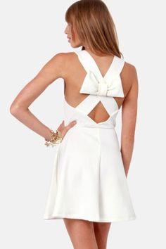 PRECIOSO VESTIDO BLANCO CON LAZO A LA ESPALDA Color: Blanco Talla: Talla Unica ( S,M,L ) Precio: 19.99€ www.cocoylola.es #cocoylola #moda #vestidos #tiendaonline #shop #españa