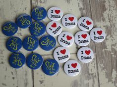 I love drama badges & star of the show badges. Idea for schools & teachers. Personalised Badges, Custom Badges, Custom Buttons, Hen Party Badges, Badge Maker, School Badges, Birthday Badge, Badge Template, Badge Creator