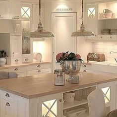 39 ideas for kitchen corner pantry layout islands Kitchen Pantry Design, Kitchen Pantry Cabinets, Kitchen Layout, Home Decor Kitchen, Interior Design Kitchen, New Kitchen, Home Kitchens, Kitchen Island, Glass Cabinets