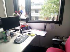 Claire du service Marketing Stratégique Groupe a principalement décoré sa fenêtre.