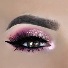 eye makeup for brown eyes . eye makeup for blue eyes . eye makeup tips . eye makeup for green eyes Pink Eye Makeup, Makeup Eye Looks, Glitter Eye Makeup, Eye Makeup Art, Colorful Eye Makeup, Makeup Salon, Pink Eyeshadow, Eye Makeup Tips, Cute Makeup