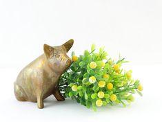 Vintage Brass Pig Figurine - Pig Figurine - Brass Pig - Pig Paperweight - Brass figurine - Brass animal - Big pig - Brass sow - Sitting pig