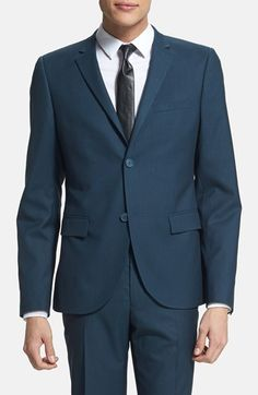 Navy blue suits instead of the traditional black tuxedo? Yes, please! #wedding #groomsmen