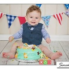 James at his first birthday cake smash - formal on the top half but all party on the legs! #cakesmash #firstbirthday #photography #sussex