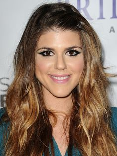 Molly Tarlov's Thick Winged Liner & Pink Pout