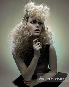 RUSH Lange Blonde Weiblich Curly Kraus Farbige Multi-tonalen Plastische Orgien Avantgarde Frauen Frisuren hairstyles