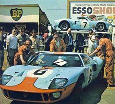 ca ganador de Le mans 1969, Jacky Ickx, en 1968, con el mismo auto gano Le Mans, Pedro Rodríguez y Lucien Bianchi.