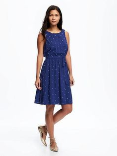 See what's new in tall women's clothes from Old Navy. Update your wardrobe with stylish dresses, jeans, accessories & other favorite items in tall women's apparel. Hot Dress, Maternity Wear, Swing Dress, Chic Outfits, Pretty Dresses, Dress To Impress, Old Navy, Fashion Dresses, Clothes For Women