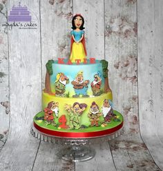 Snow White and seven dwarfs by Magda's Cakes
