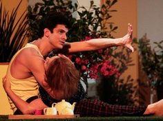 Ator Mateus Solano, o Félix de Amor à Vida, estrela espetáculo Do Tamanho do Mundo em teatro de Campinas (Foto: Guga Melgar)