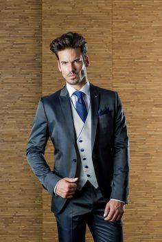 trajes de novio tendencias 2017