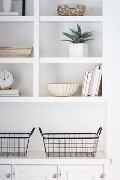 Modern California Style | a guide to shelf styling by @halfway_wholeistic