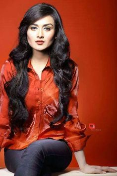 Nadia Khanom Nodi is an actress, ramp and fashion model in Bangladesh. She looks very simple and pretty. Here is her latest photo shoots. In this photos she lo Stylish Girl Images, Most Beautiful Indian Actress, Girls Image, Indian Bridal, Hottest Photos, Indian Actresses, Asian Woman, Fashion Models, Beautiful Women