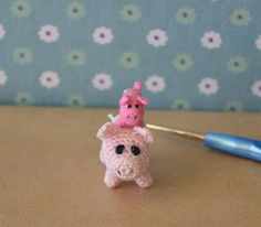 Here's the pattern for the little pig, Petrie, from my last post. He now has a larger friend called Pedro. Pedro was made using the same pat...