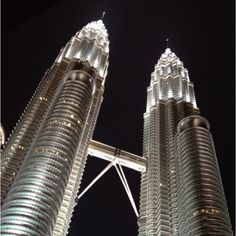 Magnifique Petronas Tower @ KL City, Malaysia