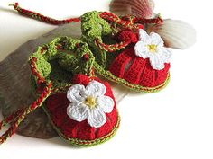 Baby summer sandals Red Strawberry crochet baby by MiaPiccina