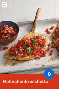 Chicken Bruschetta - The delicious Italian entry-level classic of the . - Chicken Bruschetta – The delicious Italian entry-level classic of a special kind: The Chicken Bru - Ww Recipes, Brunch Recipes, Pasta Recipes, Italian Recipes, Salad Recipes, Chicken Recipes, Healthy Recipes, Plats Weight Watchers, Weight Watchers Meals