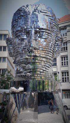 Prag- Statue von Franz Kafka  (Führung Auf den Spuren von Franz Kafka) Jewish Museum, Old Cemeteries, Group Tours, Abandoned Mansions, Courtyards, Travel And Leisure, Walking Tour, Czech Republic, Places