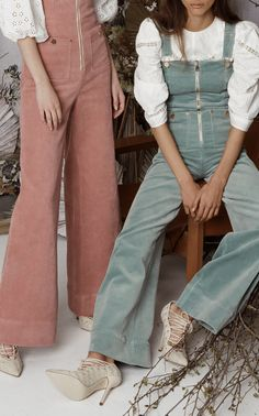 Get inspired and discover Alice McCall trunkshow! Shop the latest Alice McCall collection at Moda Operandi. 70s Fashion, Vintage Fashion, Fashion Outfits, Womens Fashion, Pretty Outfits, Cool Outfits, Skater Girl Outfits, Moda Boho, Alice Mccall