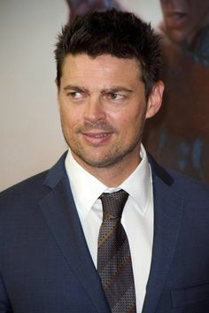 Karl Urban Pictures, Latest News, Videos and Dating Gossips