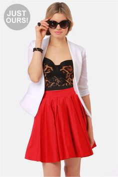 Love the High waisted red mini! So adorable! #Lulu's!