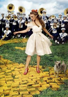 modern wizard of oz- keira knightley; shot by annie leibovitz (Vogue 2009)