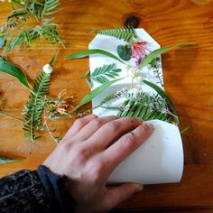 Eco-printing on paper tutorial – Gumnut Magic Shibori, Paper Art, Paper Crafts, Hand Crafts, Fabric Paper, Book Crafts, Origami, Crafts For Kids, Arts And Crafts