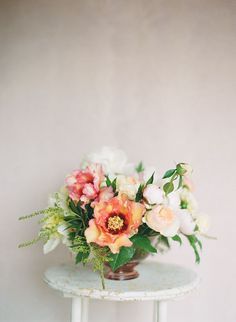 Beautiful color palette for this floral centerpiece. #wedding #flowers