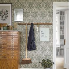 Painting Wallpaper, Wall Wallpaper, Pattern Wallpaper, Cicely Mary Barker, Fancy Houses, Dream Apartment, Cottage Design, Wall Patterns, Best Interior Design
