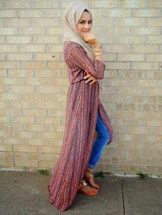 Muslim women are showing that modesty needn't preclude style Hajib Fashion, Modesty Fashion, Abaya Fashion, Fashion Dresses, Fashion Brands, Islamic Fashion, Muslim Fashion, Casual Travel Outfit, Hijab Fashion Inspiration