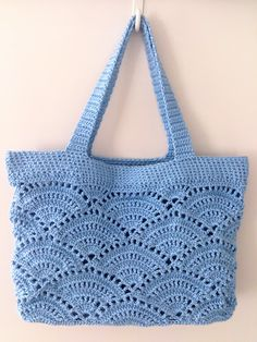 Crochet Beach Bags, Crochet Market Bag, Crochet Tote, Crochet Handbags, Crochet Purses, Mode Crochet, Crochet Shell Stitch, Crochet Shoulder Bags, Bag Pattern Free