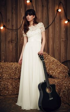 Taylor Jenny Packham wedding dress #weddingdress