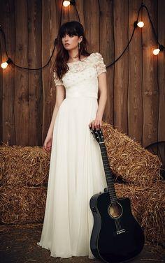 Taylor Jenny Packham wedding dress #weddingdress