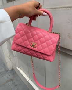 Image shared by Kαterinα ❁. Find images and videos about pink, aesthetic and luxury on We Heart It - the app to get lost in what you love. Luxury Purses, Luxury Bags, Replica Handbags, Purses And Handbags, Designer Handbags, Chloe Lloyd, Channel Bags, Aesthetic Backpack, Fake Designer Bags