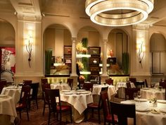 New York City is home to world-famous restaurants like Daniel.