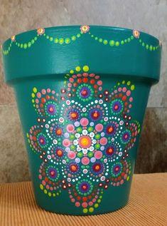 Great Photographs Ceramics pots crafts Strategies 26 ideas yard art flowers creative ideas for 2019 Clay Flower Pots, Flower Pot Crafts, Clay Pot Crafts, Clay Pots, Plant Painting, Dot Art Painting, Pottery Painting, Painted Plant Pots, Painted Flower Pots