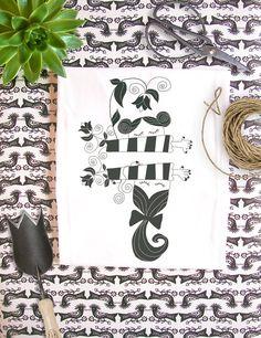 Organic Fairtrade t-shirt  Black and White by Kunda on Etsy