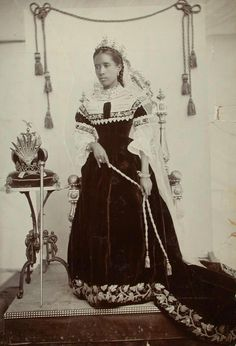 QUEEN RANAVALONA III, (1861 - 1917) THE LAST QUEEN OF MADAGASCAR.    Madagascan Monarch. A native of Amparibe, Madagascar, she ruled Madagasgar from 1883 until 1897.     She was the last reigning monarch of her country. She was forced into exile by the French following the First Franco-Malagasy War, and she died in Algeria in 1917.