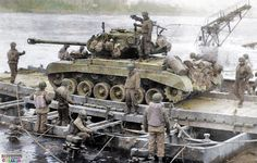 Crossing the Rhine Military Diorama, Military Art, Military History, M26 Pershing, Army Vehicles, Armored Vehicles, Us Armor, Ww2 Photos, Ww2 Tanks