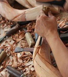 CRAVT Original products are handmade by the best artisans. Based on traditional skills, authentic materials and modern techniques to make it possible. Woodcarving, Luxury Furniture, Artisan, Traditional, The Originals, Crafts, Handmade, Manualidades, Wood Carving