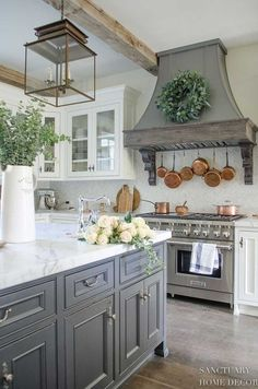 French Country Kitchens, French Country Farmhouse, French Country Decorating, Fall Decorating, Modern Farmhouse, Modern French Country, Country Kitchens With Islands, Country Cottage Kitchens, Country Kitchen Ideas Farmhouse Style