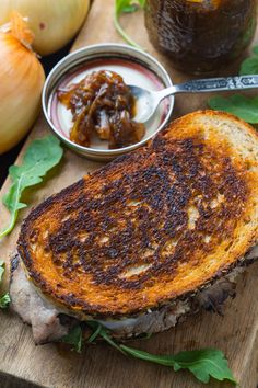 Roast Beef Sandwich with Maple Chipotle Onion Jam and Horseradish Mayo List Of Sandwiches, Roast Beef Sandwiches, Healthy Sandwiches, Onion Recipes, Jam Recipes, Beef Recipes, Italian Recipes, Slow Cooking, Cooking Jam