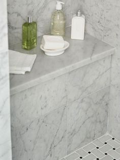 Ledge-Marble-topped bench in shower