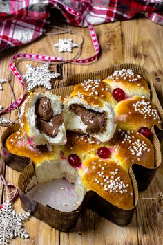 pan brioche – Impastando a quattro mani Christmas Baking Gifts, Xmas Food, Christmas Candy, Christmas Desserts, Christmas Treats, Great Desserts, Delicious Desserts, Dessert Recipes, Pavlova