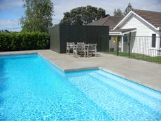 Coping free pool by Westend Concrete Concrete Patio Designs, Concrete Pool, Cement, Swimming Pool Decks, Swimming Pool Designs, Pool Paving, Pool Landscaping, Pool Backyard, Backyard Ideas