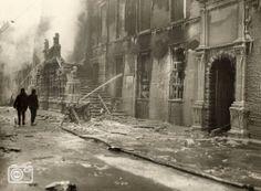 1929, Stadhuis brand Leiden. De huidige is een replica