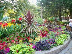 coffeepearlsandpoetry - Park, Niagara on the Lake Beautiful World, Beautiful Gardens, Head Planters, Wonderful Places, Niagara Falls, Garden Plants, Ontario, Places To Travel, Planting Flowers