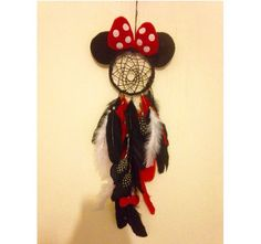 Disney inspired Minnie Mouse dream catcher / made by me Deco Disney, Disney Diy, Disney Crafts, Disney Dream, Diy Craft Projects, Diy And Crafts, Crafts For Kids, Projects To Try, Arts And Crafts
