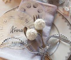 Silber macht den Tisch festlich - Tische weihnachtlich dekorieren 6 - [LIVING AT HOME]