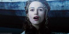 pirates of the caribbean curse of the black pearl gif Keira Knightley Pirates, Elisabeth Swan, Elizabeth Turner, Playbuzz, Do You Remember, Pirates Of The Caribbean, Good Movies, Beautiful Women, Pearls